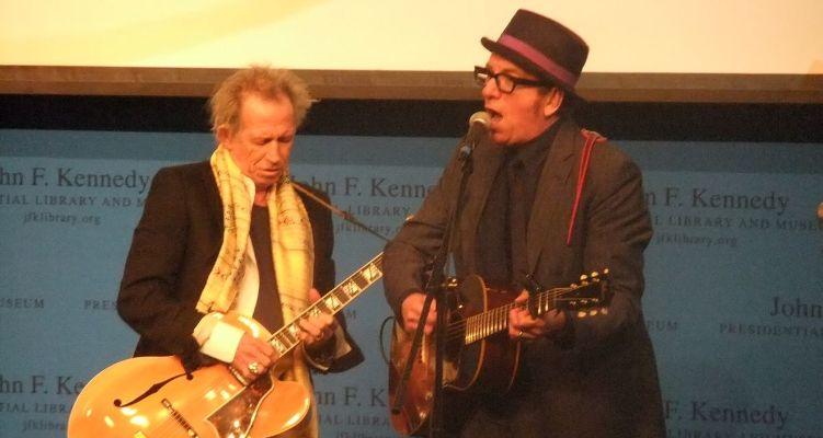 Keith_Richards_and_Elvis_Costello_ Boston_2012